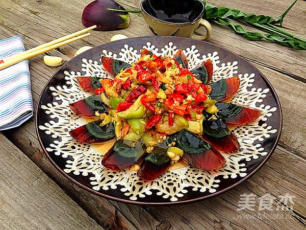 红椒茄子拌皮蛋成品图