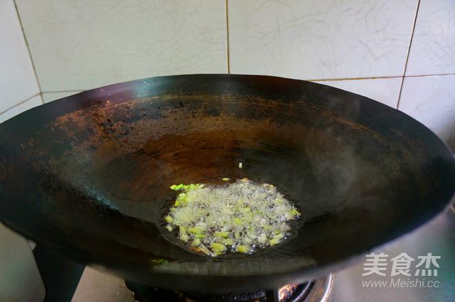 香肠土豆焖饭怎么炖