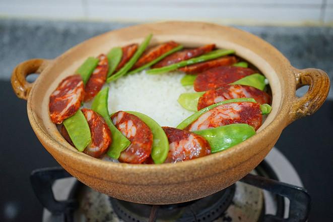 腊肠荷兰豆煲仔饭怎么煮