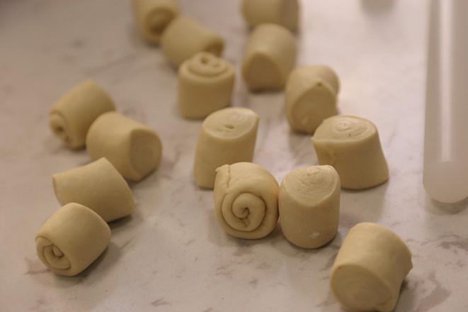 蜂蜜脆底小餐包的制作