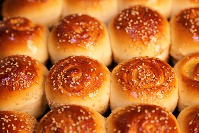 蜂蜜脆底小餐包的做法大全