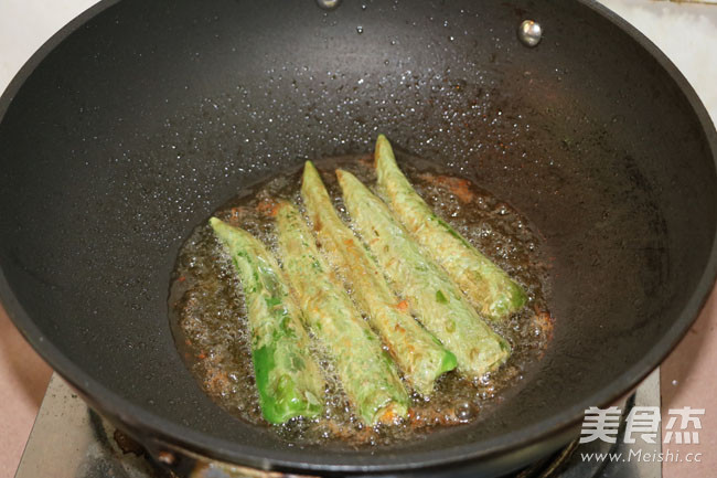 闻着就香的青椒酿肉怎么炒