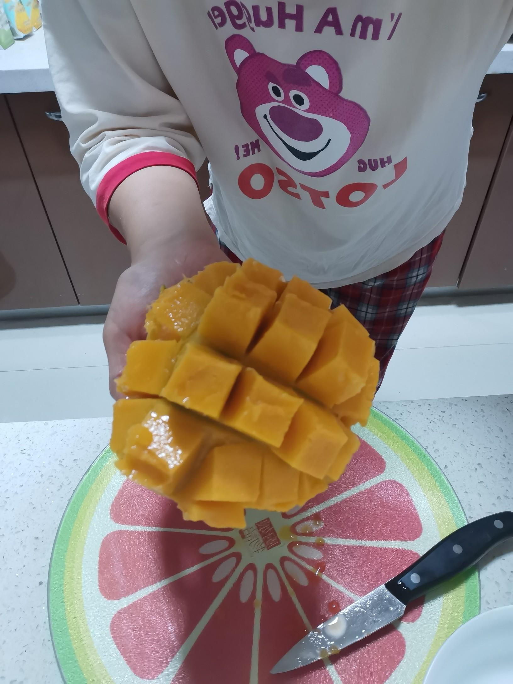 雪顶芒果菠萝汁的家常做法