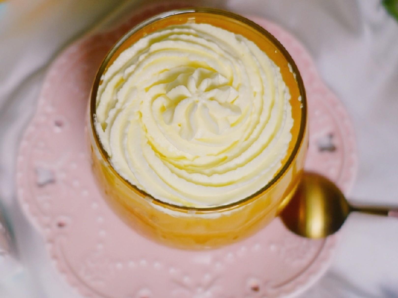 雪顶芒果菠萝汁怎么吃