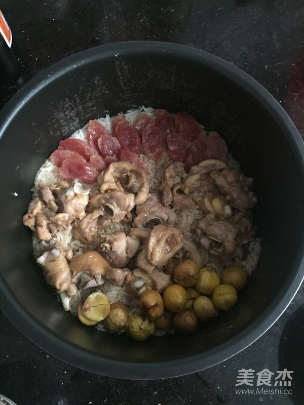 板栗鸡肉焖饭怎么炖