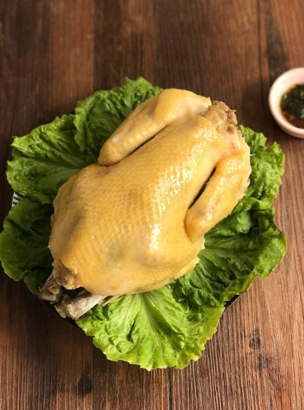 砂锅盐焗鸡成品图