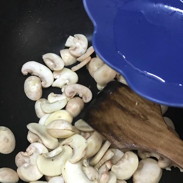 蘑菇炒肉怎么做