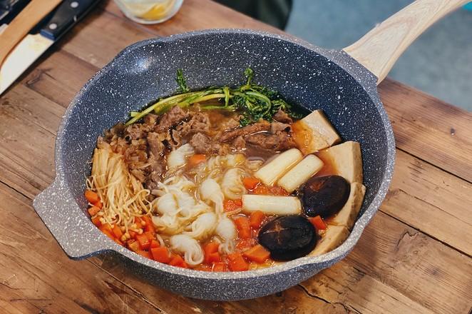 戴军下厨做汤小调寿喜锅,超鲜成品图