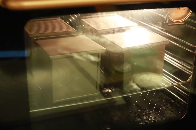蝶豆花吐司的制作方法