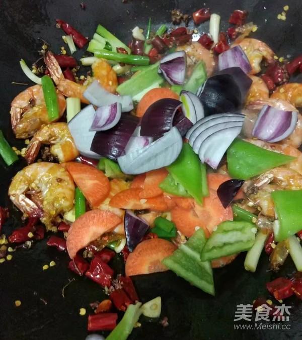 香辣麻花虾怎样做