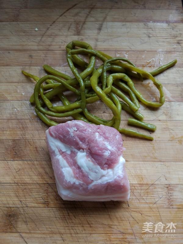 酸豆角肉末粉条的做法图解