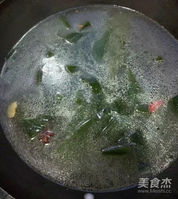 海带排骨汤怎么吃