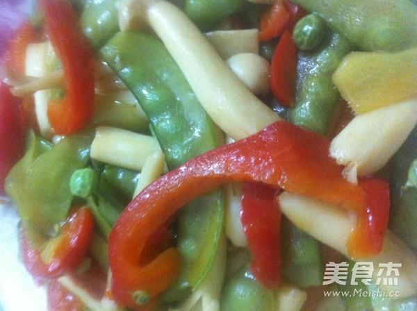 真姬菇炒荷兰豆怎么炒
