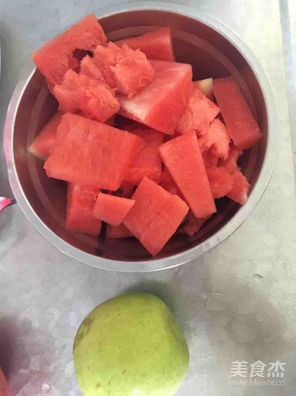鲜榨西瓜汁(豆浆机版纯果汁)的步骤
