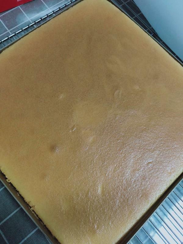 草莓奶油蛋糕卷怎么做