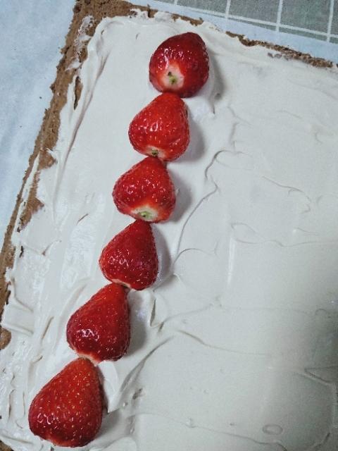 草莓奶油蛋糕卷怎样煸