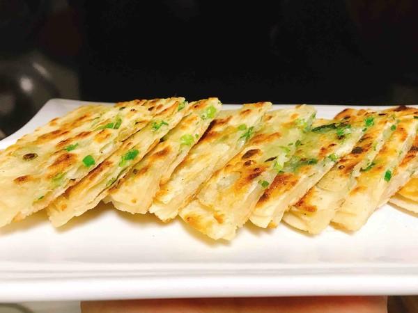 酥脆香葱小饼(饺子皮版)怎么煮