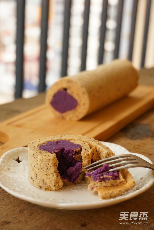 红茶紫薯蛋糕卷成品图