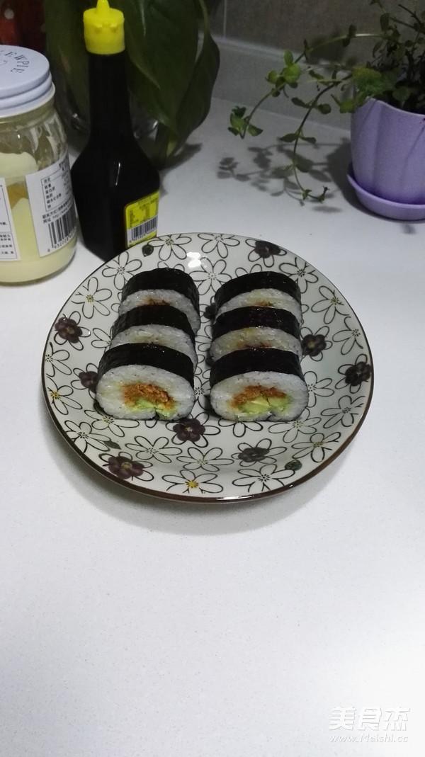 牛油果肉松寿司成品图