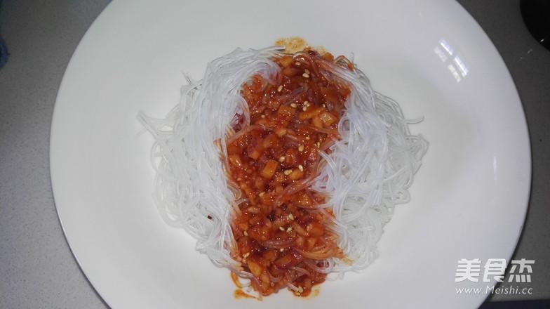 韩式辣酱拌粉丝的步骤