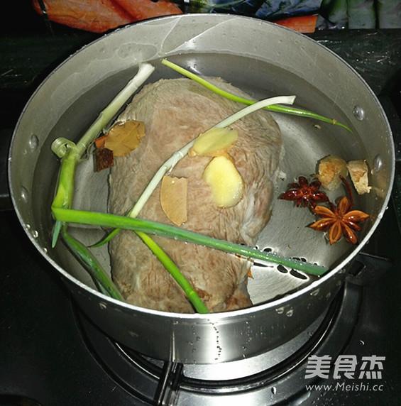 卤牛肉的家常做法