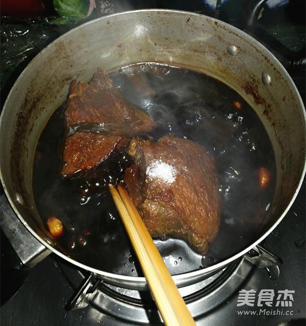 卤牛肉的制作