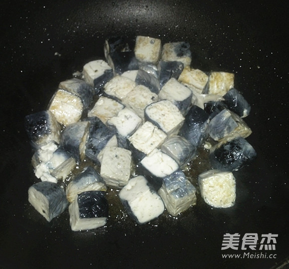 臭豆腐平菇煲怎么做