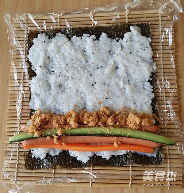 火腿肉松寿司怎么做