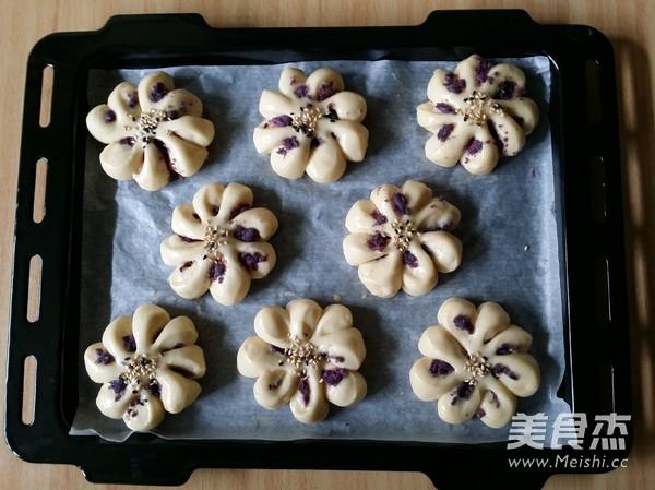紫薯菊花小面包的制作方法