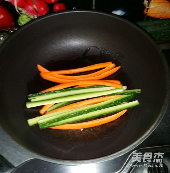 火腿肉松寿司的家常做法