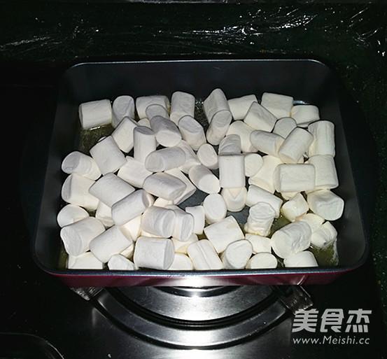 手工牛轧糖怎么吃