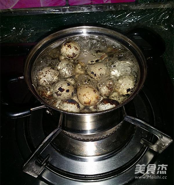 五香鹌鹑蛋的家常做法