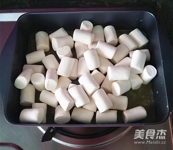 黑芝麻花生牛扎糖怎么吃