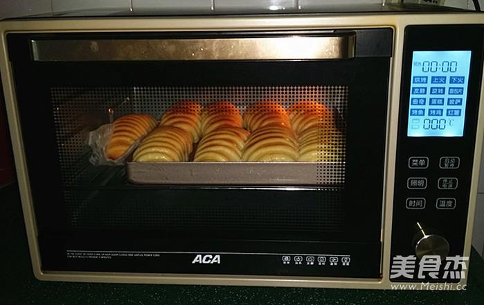 毛毛虫面包的制作大全