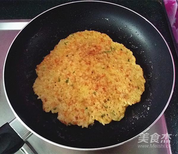 鸡蛋米饭饼怎么煮