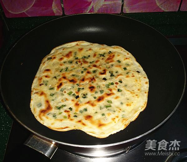 千层葱油饼(饺子皮版)怎样做