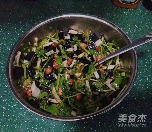 香菜臭干拌花生米怎么炒