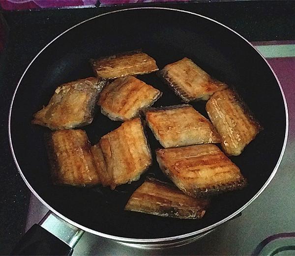 家常红烧带鱼怎么做