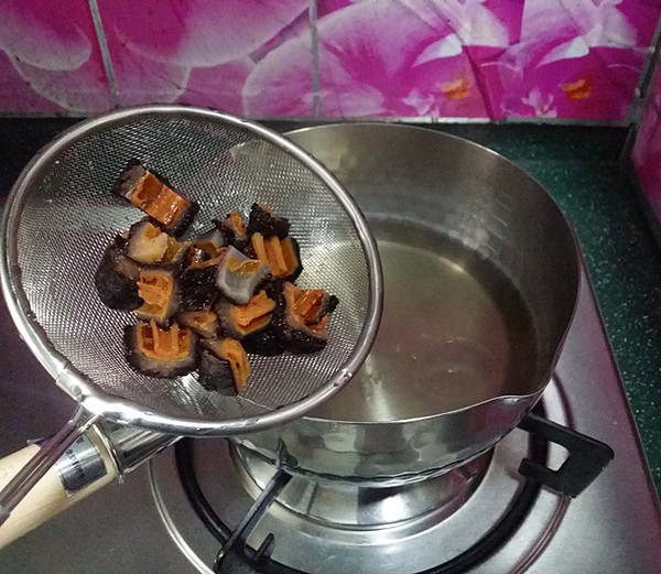 蟹黄豆腐烩红极参的简单做法