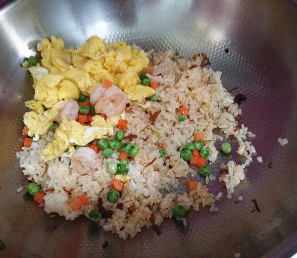 XO酱杂蔬蛋炒饭怎样做