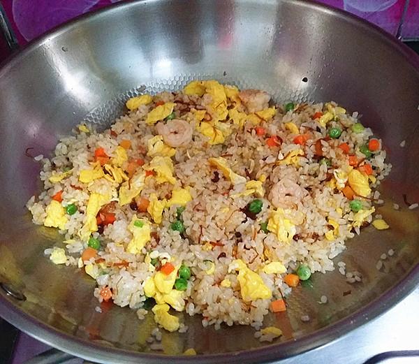 XO酱杂蔬蛋炒饭怎样煮
