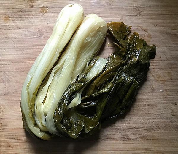 鸭腿腌菜汤的简单做法