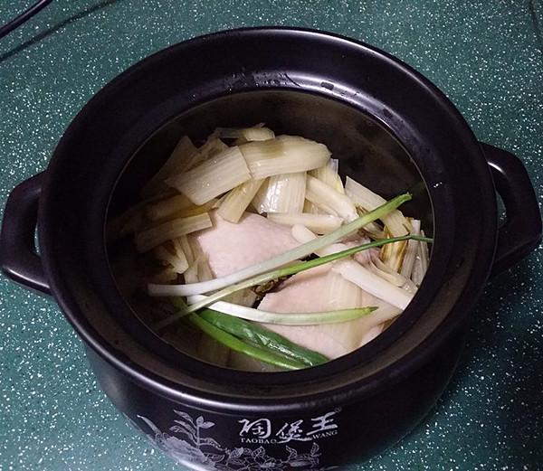 鸭腿腌菜汤怎么煮