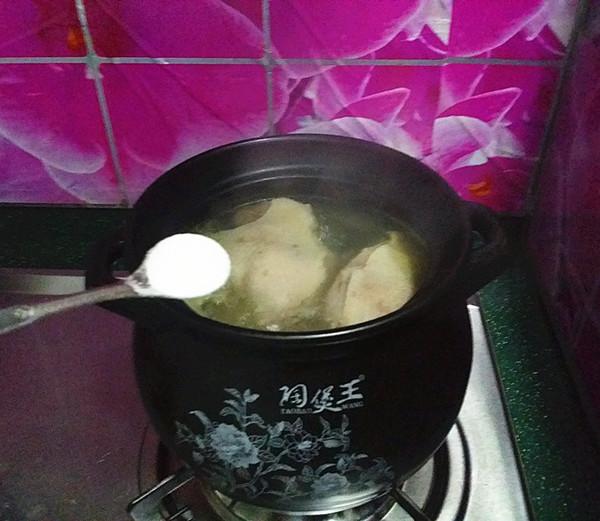 鸭腿腌菜汤怎样煮