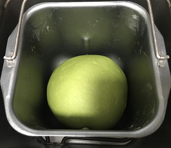 菠菜蜜豆软欧包怎么做