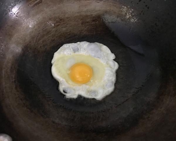 鸡蛋酱拌面的步骤