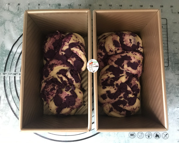 紫薯辫子面包怎样炒