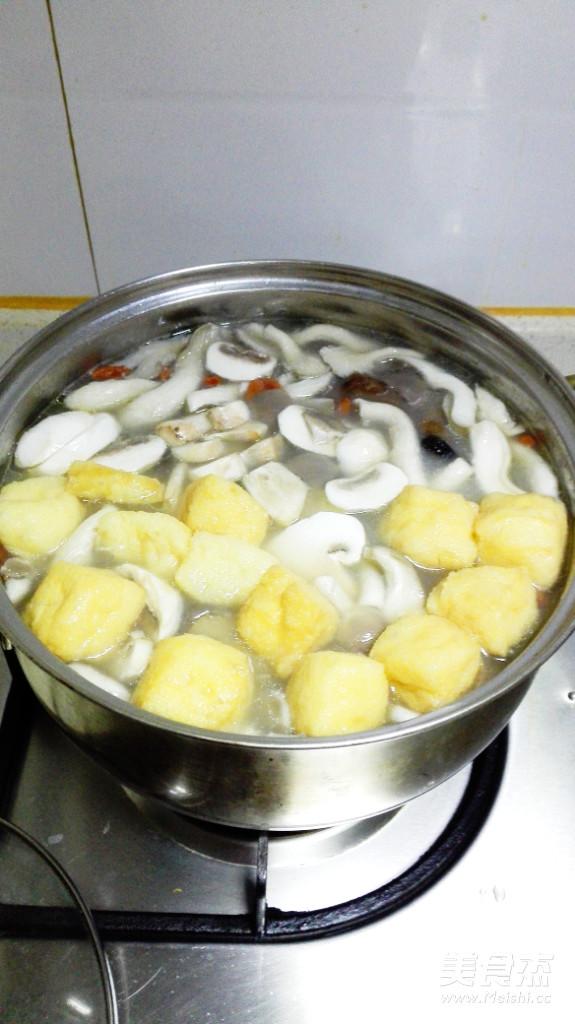 蔬菜菌菇锅的简单做法