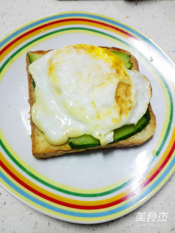 鸡蛋三明治怎么煮