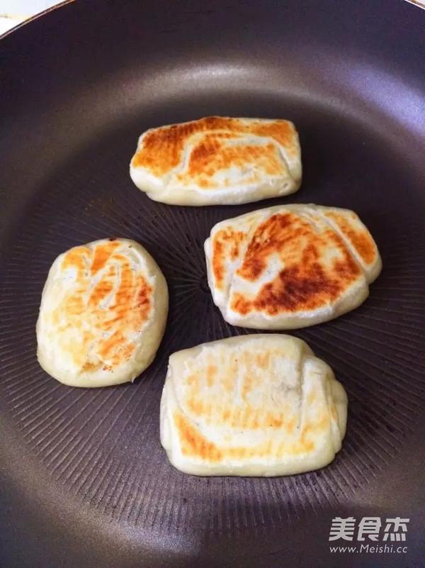 平底锅油酥咸酥饼怎样炒